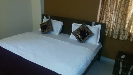 SERVICE APARTMENT, holiday rental in Kolkata (Calcutta)
