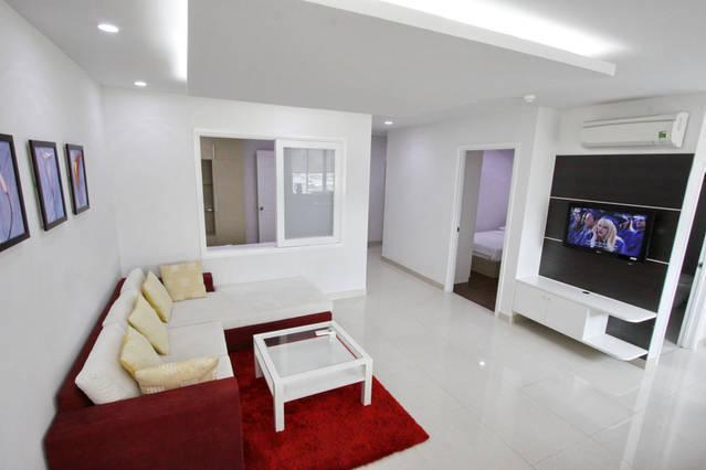 Deluxe 2 bedroom Apartment - Central Dist 1 (7C1), holiday rental in Ho Chi Minh City