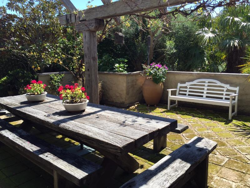 Outdoor Dining available