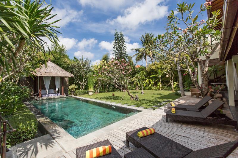 Villa Balidamai - Seminyak 3 bedrooms, casa vacanza a Kerobokan