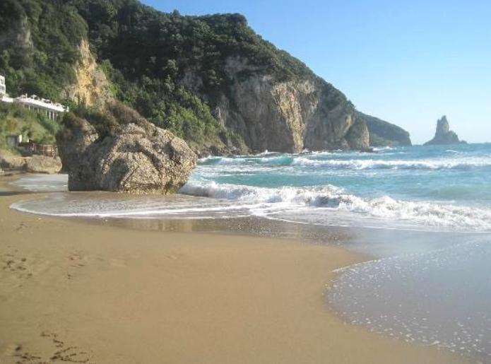 Agios Gordios Sandstrand 5 Minuten zu Fuß Weg
