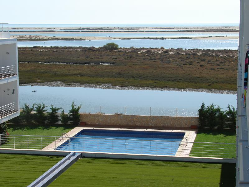 Formosa Village 2 bedroom WiFi apartment (max 6), holiday rental in Olhao