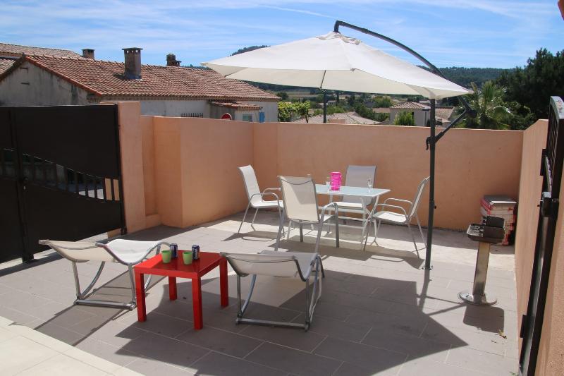 studio  à 6 km de Cassis des plages, des calanques, holiday rental in Bouches-du-Rhone
