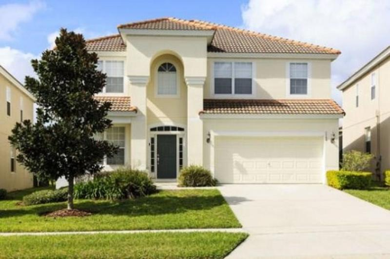 This newly built and very modern 6 bedroom 4 bathroom home has been professionally furnished.