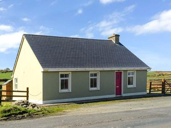 SEA VIEW COTTAGE, pet friendly, country holiday cottage, with a garden in, holiday rental in County Clare