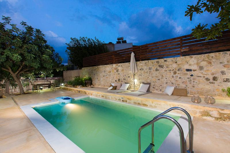 New outside area, private pool of outmost privacy and comfort!