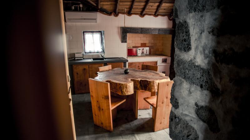 Aldeia dos Caldeirões - Casa Madeira, aluguéis de temporada em Madalena