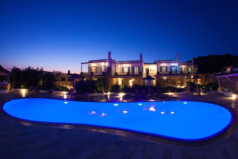 EL MAR Estate - Villa Nautilus (5 BR), location de vacances à Mykonos