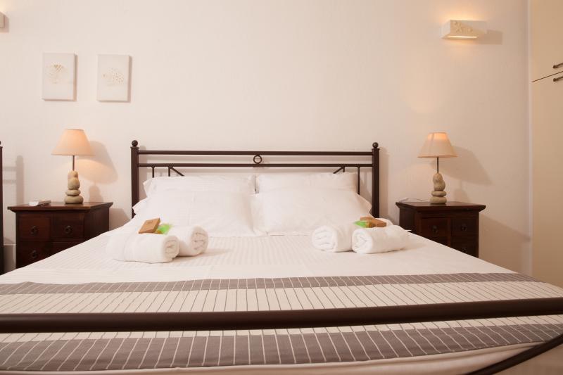 Bedroom (sleeps 3)| ground floor