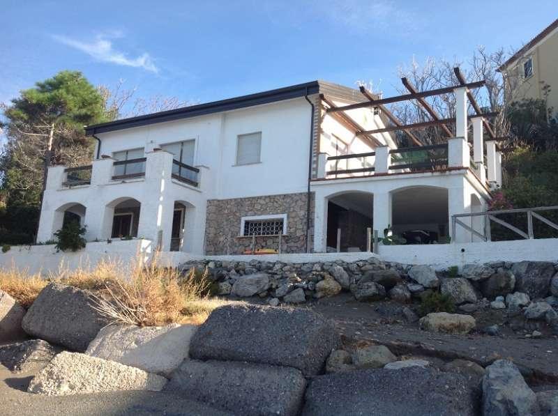 Porzione di villa esclusiva sul mare, vakantiewoning in Sangineto