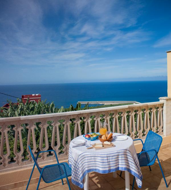 great ocean view and sun all day long on your private terrace!