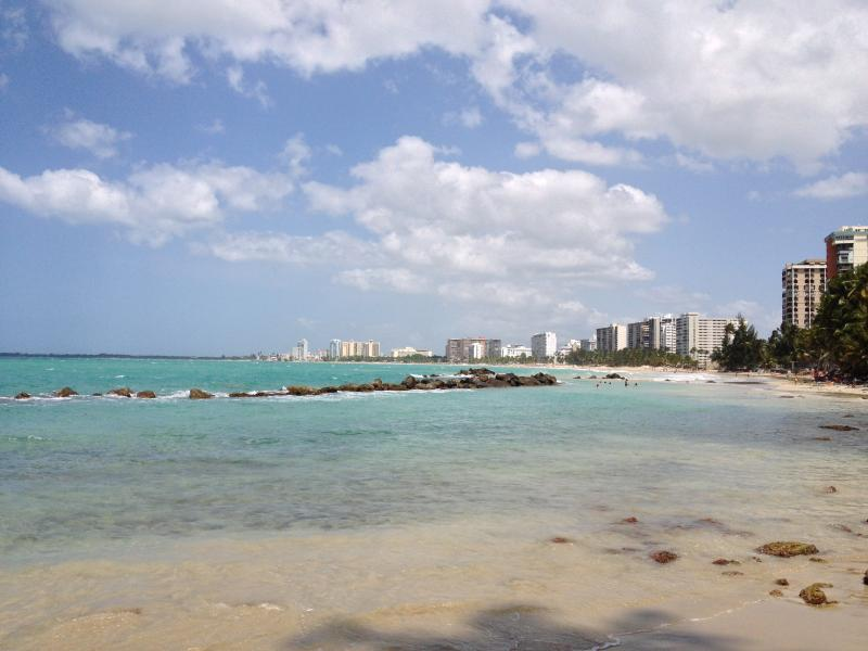 Beach Condo 3 rooms 3 bath, located  in the more amazing tourist area of Puerto Rico