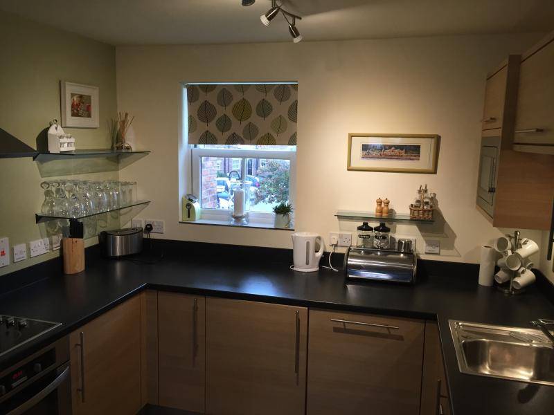 Fully equipped kitchen including washing machine !