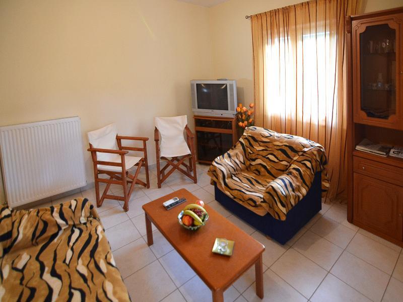 Dimitra x2 or 3  Guest Zakros Crete, location de vacances à Zakros