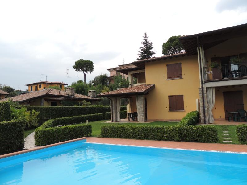 Residence 'I Ciclamini', holiday rental in Moniga del Garda