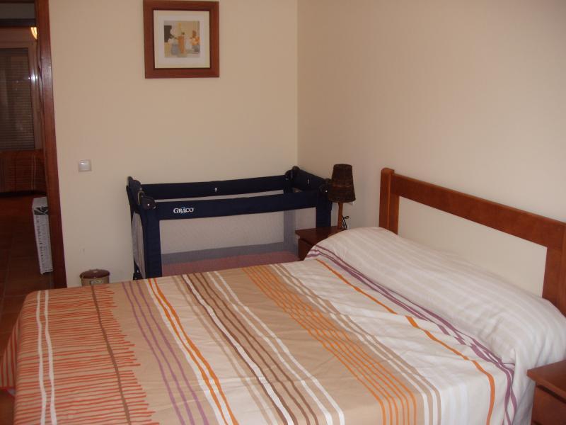 Camera matrimoniale con balcone off camera da letto