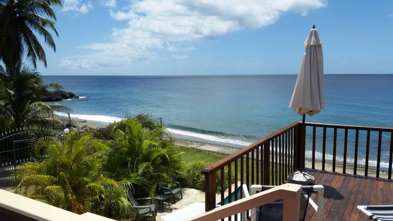 Caribbean Sea View over the beach and infinity pool (Birdie's Nest), alquiler de vacaciones en Arnos Vale