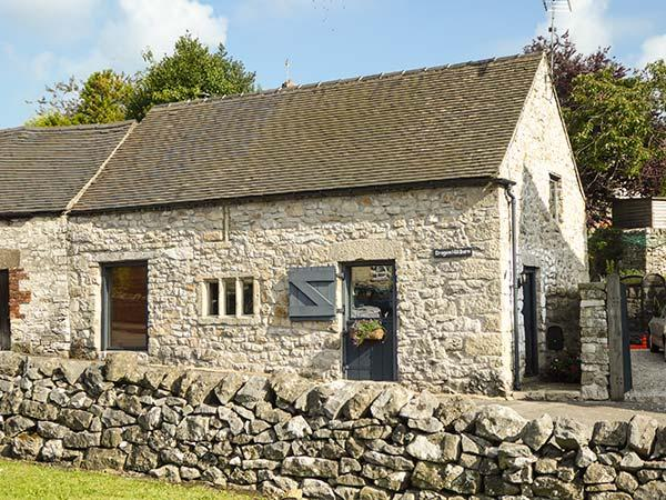 DRAGON HILL BARN, family friendly, luxury holiday cottage, with open fire in, location de vacances à Parwich