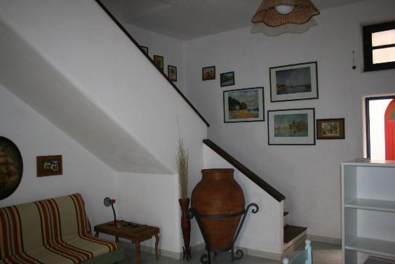 soggiorno e ingresso al piano superiore