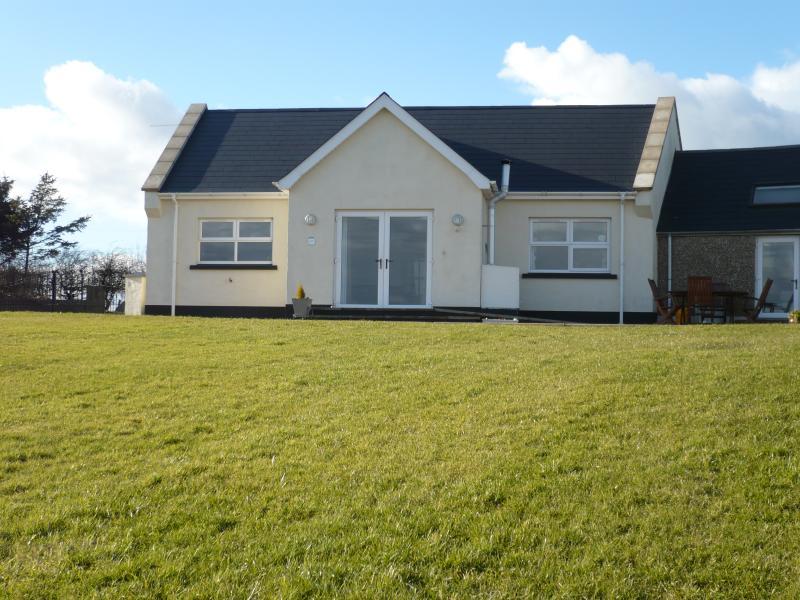 Newcroft Cottage, Giants Causeway - Bushmills, holiday rental in County Antrim