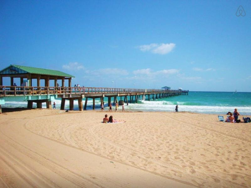 Lauderdale-by-the-Sea Beach with pier, offering fishing and diving/snorkelling opportunities