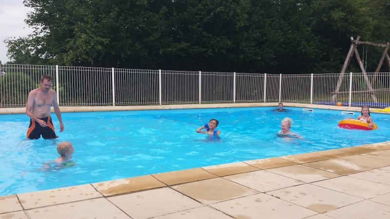 100m2 heated pool!