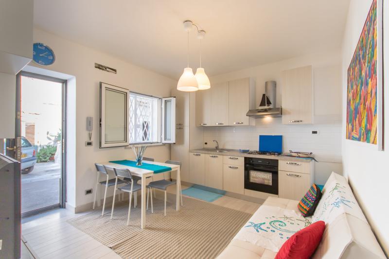 Casa Mamo dal 25-09 al 30-03-18 sconto euro 10 EUR aper minimo 2 notti, holiday rental in Mondello