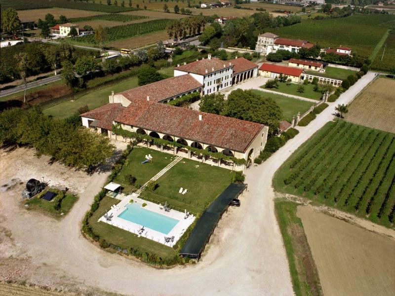 Palazzo Rosso Farm seen from the air