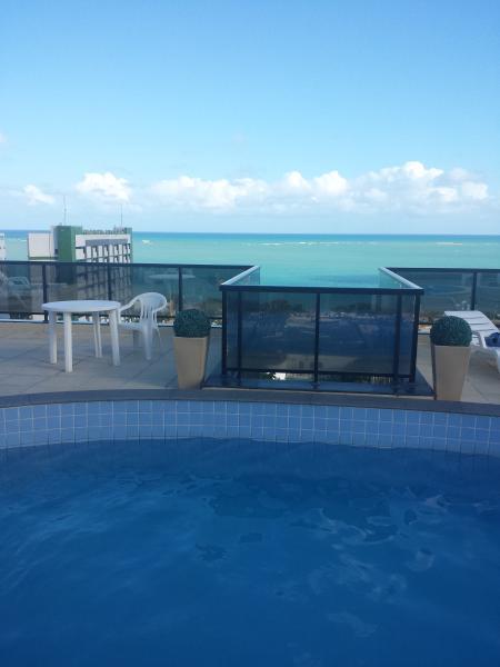 piscina na cobertura com vista