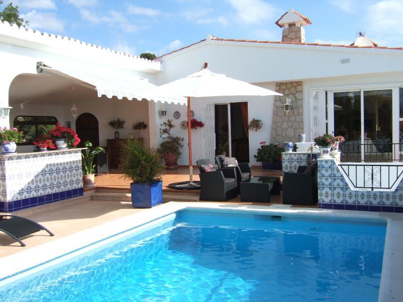 Haus mit Pool für 10 Personen