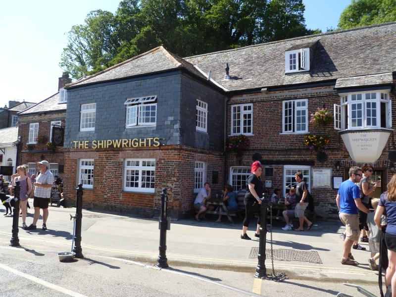 Nearby Shipwrights pub on the harbour front