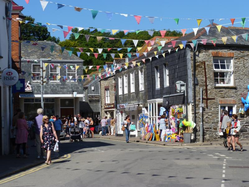 Picturesque Market Street is adjacent to the harbour