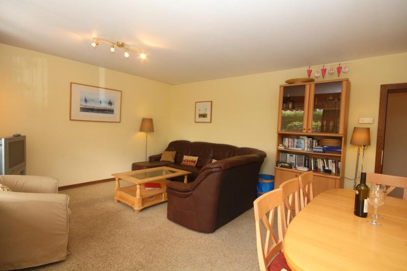 Spacious lounge and dinning room
