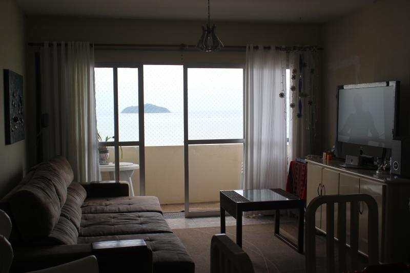 Wohnung mieten in der Saison mit unglaublichen Ausblick. Entspannen Sie am Strand.