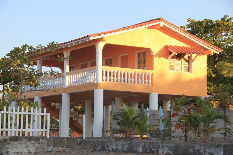 Sunset Waves, vacation rental in Managua Department