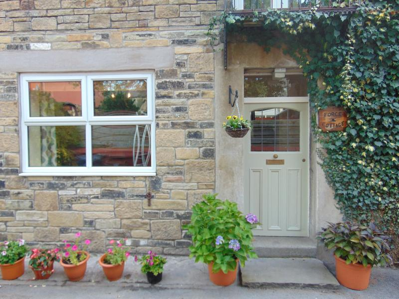Forge Cottage - Chinley Village - Peak District, holiday rental in Mellor