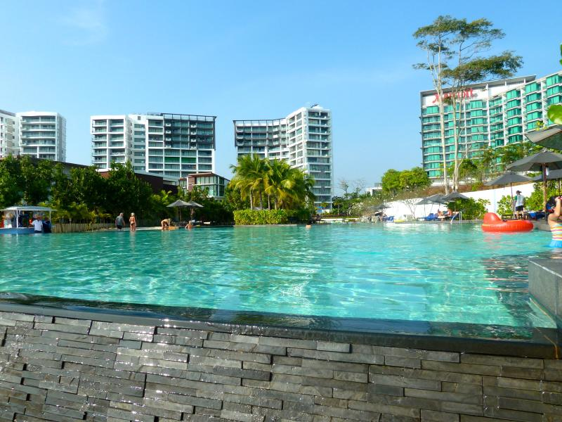 Luxury 2 bedroom 7th floor beachfront apartment., casa vacanza a Chak Phong