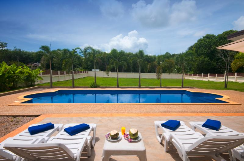 South facing villa with sun all day long. 2400sq m of private land. Ultimate privacy.