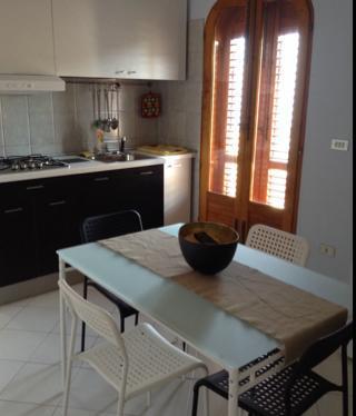 kitchen kitchenette