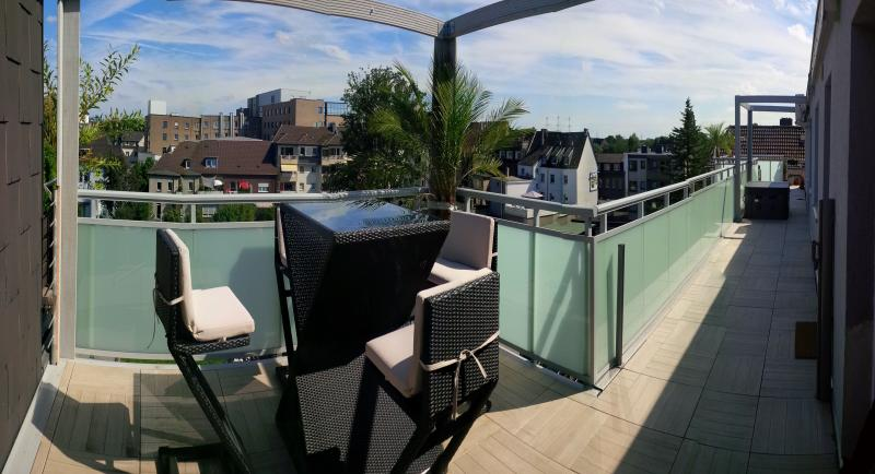 150m2 Penthouse & 100m2 Terrace Hot tob Whirlpool, holiday rental in Bottrop