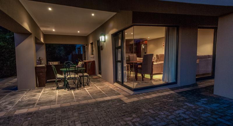 Luxury Apartment lounge & patio area