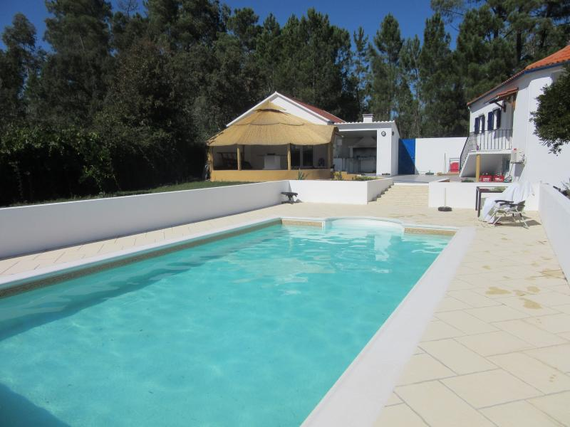 LARGE HEATED SWIMMING POOL**, vacation rental in Castanheira de Pera