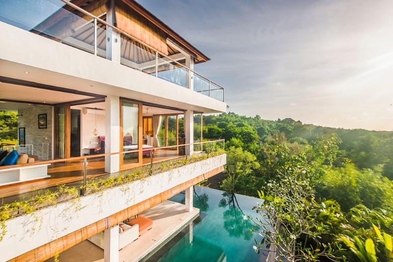 Stylish Hidden Villa with Free Driver, vacation rental in South Kuta