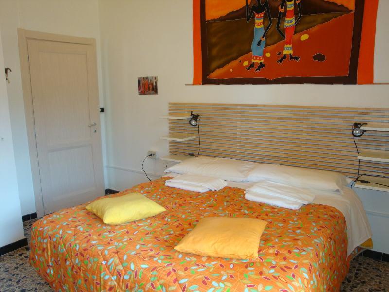 camera da letto principale comunicante con balcone