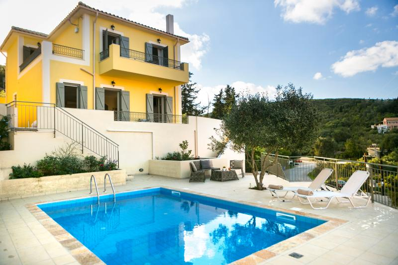 Villa Isalos Fiscardo, holiday rental in Katsarata