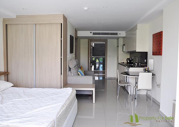 Zona letto, armadio & cucina