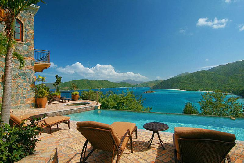 The Cinnamon Breeze infinity pool overlooks the majestic geography of the USVI National Park.