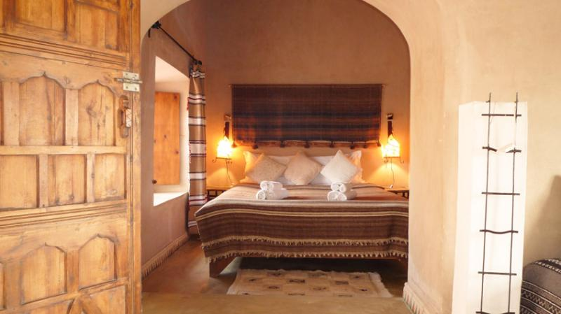 Superior Room with   bathroom (shower-toilets) Safe water, toiletries - Hairdryer. Climat control