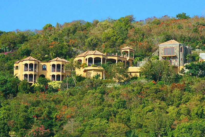 Cinnamon Breeze - your expansive Italian villa on the Caribbean!