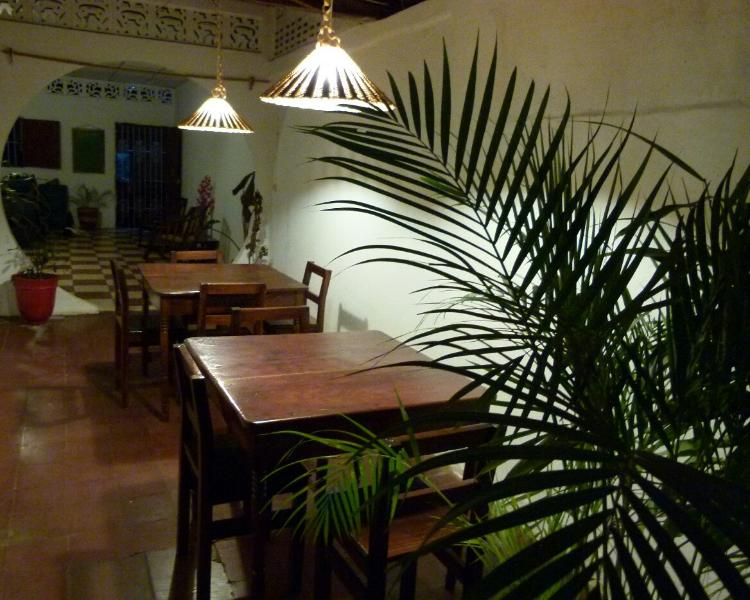 Room for rent In the center of Leon- Casa Nica., alquiler vacacional en Salinas Grandes